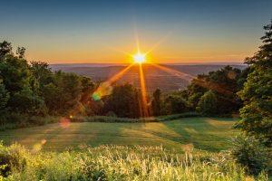 Warwick NY offers a beautfiul sunrise over the mountains