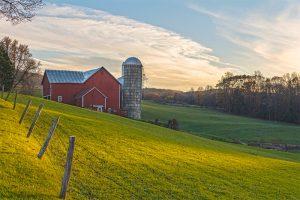 A barn in a field in Warwick NY